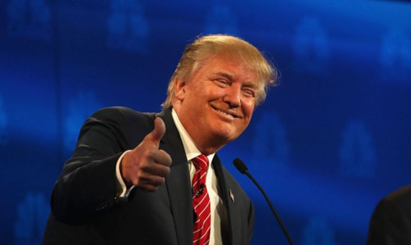 trump-debate-thumbs-up